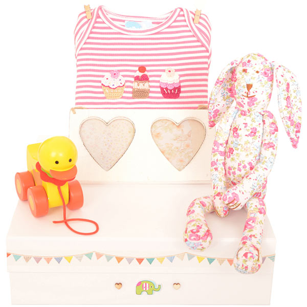 medium_gift_box_baby_girl