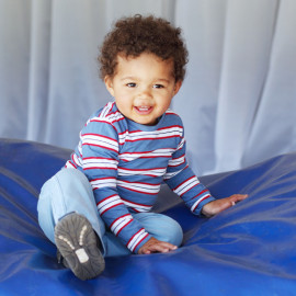 Learn how to photograph babies and children with iKids photography course...